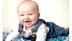 Що повинен уміти дитина в 4 місяці фото