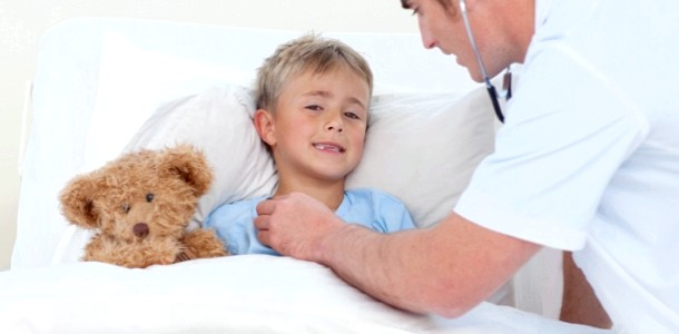 Як вилікувати горло і впоратися з кашлем: поради педіатра