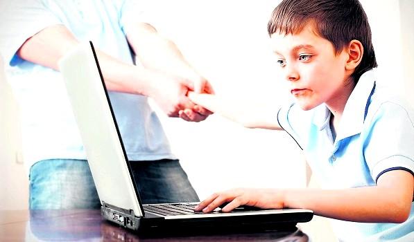 Комп'ютерна залежність у дитини