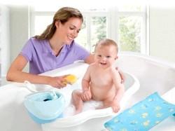 Купання новонародженого у ванній
