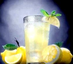 Лимонний сік. Корисні властивості