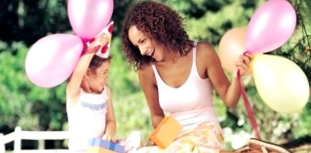 Мама-чарівниця: як подарувати дитині свято