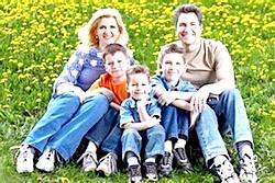 Багатодітна сім'я фото