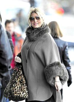 Модна зимовий одяг для вагітних