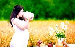 Можна чи не можна вагітним молоко?