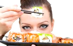 Чи можна їсти суші при вагітності?