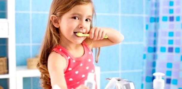 Навички самообслуговування: що повинен уміти робити дитина в 3 роки