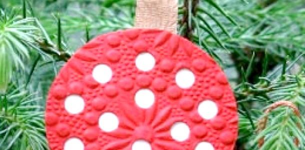 Новорічна підвіска на ялинку від Міні Маус