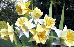 Орігамі з паперу. Квіти фото