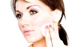 Особливості догляду за проблемною шкірою обличчя