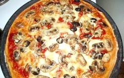 Піца з грибами: тонкощі приготування фото