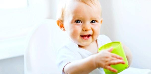 Питний режим малюка: чому вода необхідна дитині