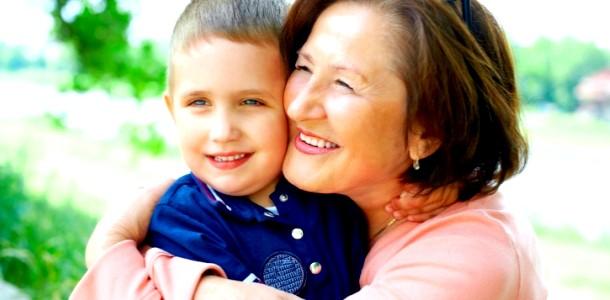 Чому бабусь треба залучати до виховання онуків