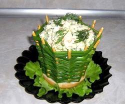 Порційний салат «Олів'є» в булочці. Рецепт з покроковими фото фото