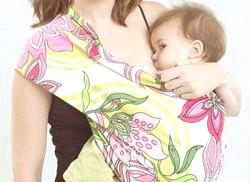 Переваги годування немовляти в слінгу
