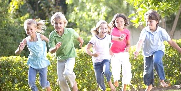Привіт з минулого: 5 ігор для дітей на майданчику