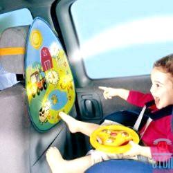 Подорожуємо на машин c дитиною: чим зайняти малюка в дорозі?