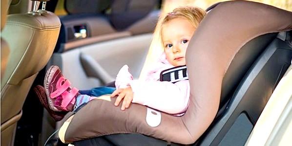 Подорожуємо з дітьми на автомобілі: що треба знати