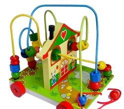 Розвиваючі іграшки для дитини