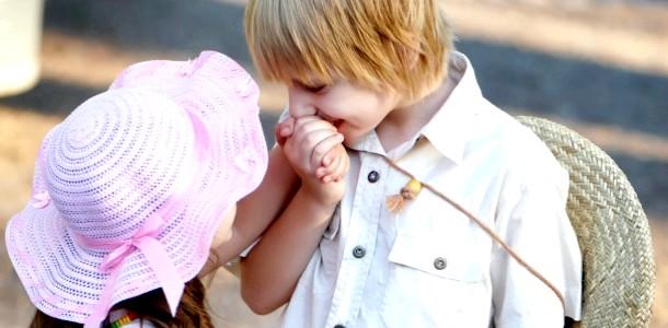 Дитина і перше кохання: що потрібно знати батькам