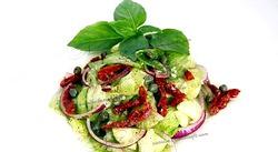 Салат з в'яленими помідорами: кращі італійські рецепти