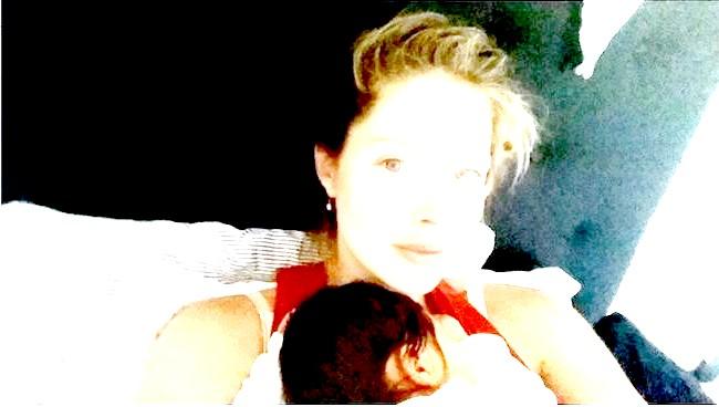 Супермодель Кім Кардашьян вагітна фото