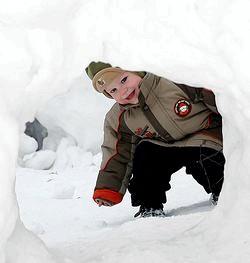 Зимові ігри з дитиною вдома