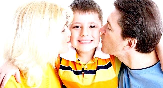 Що повинен уміти дитина в рік? фото