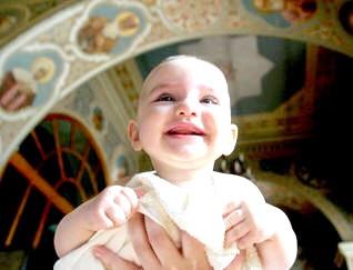 Що потрібно знати про хрещення дітей