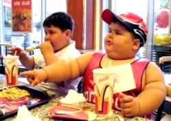 Фастфуду не місце в дитячому харчуванні фото