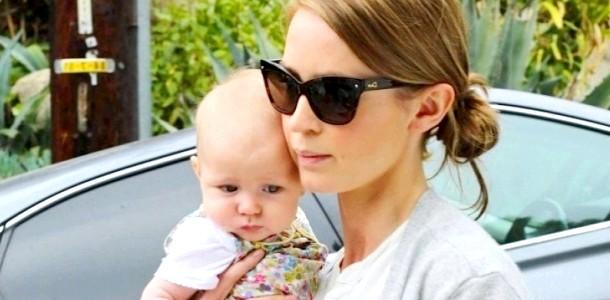 Емілі Блант показала тримісячну доньку (ФОТО)