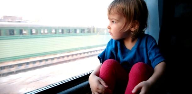 Дитина в поїзді: плюси і мінуси поїздки