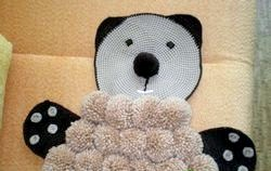 Рукоділля. Робимо дитячий килимок з помпонів «Ведмедик» фото