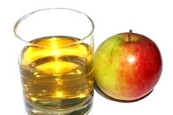 Соки. Яблучний сік фото