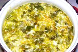 Суп з щавлем і яйцем