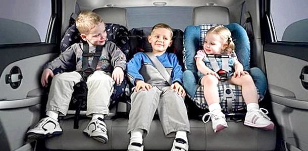Автокрісло для дитини 3 років: вибираємо групу 2-3 фото
