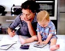 Чим зайняти дитину, поки мама зайнята?