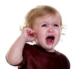 Що робити, якщо у малюка болить вухо? фото