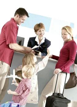 Що необхідно враховувати, вирушаючи в подорож з дітьми? фото