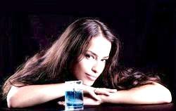 Елітні парфуми для міліх жінок фото