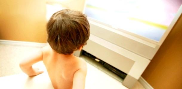 Дитина і телевізор: правила для дітей до трьох років