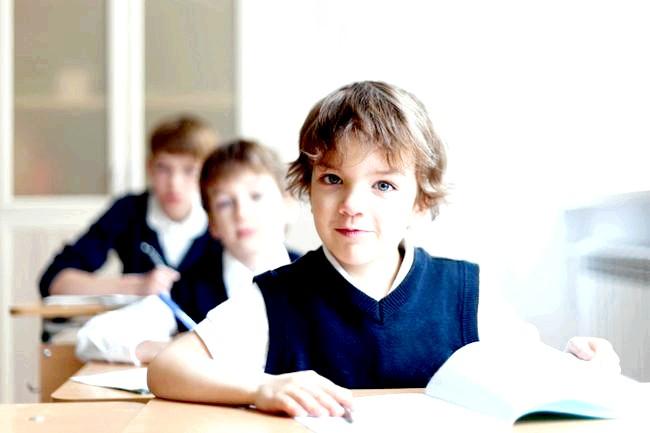 Шкільна пора: чи потрібен дитині репетитор