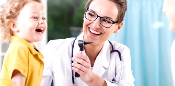 Страшний доктор: що робити, якщо дитина боїться лікаря фото