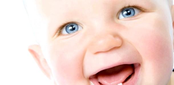 Догляд за молочними зубами: що повинні знати батьки