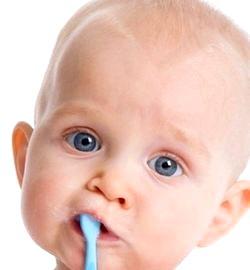 Догляд за молочними зубами