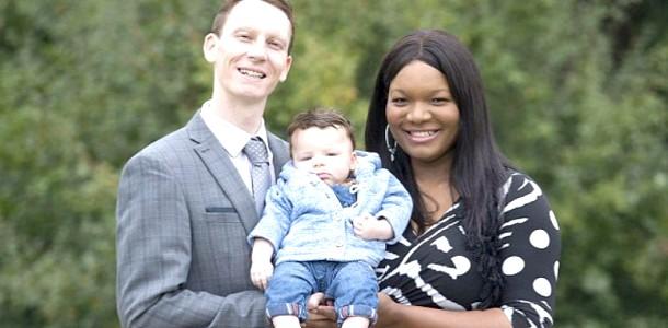 Унікальні пологи: у темношкірої жінки народився світлошкірий малюк