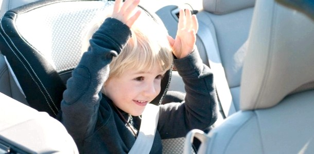 Чим зайняти дитину в автомобілі: 5 корисних ідей