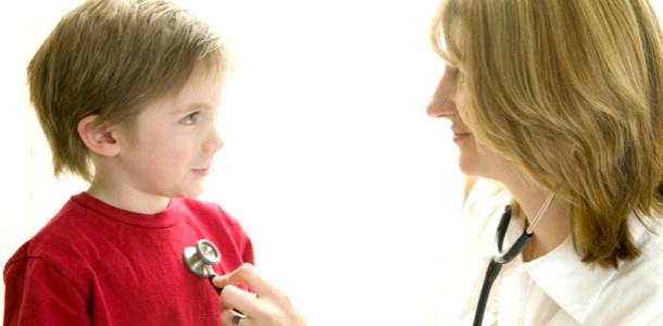 Щоб ГРВІ не переросло в пневмонію: інструкція для батьків