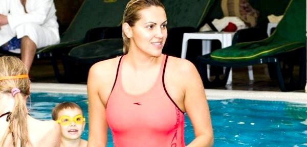 Яна Клочкова навчила школярів плавати (ФОТО)