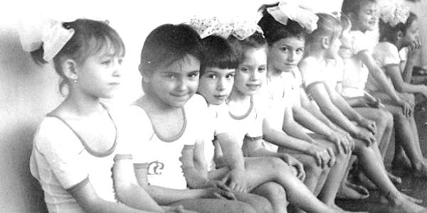 Яна Клочкова показала дитячі спортивні фото фото